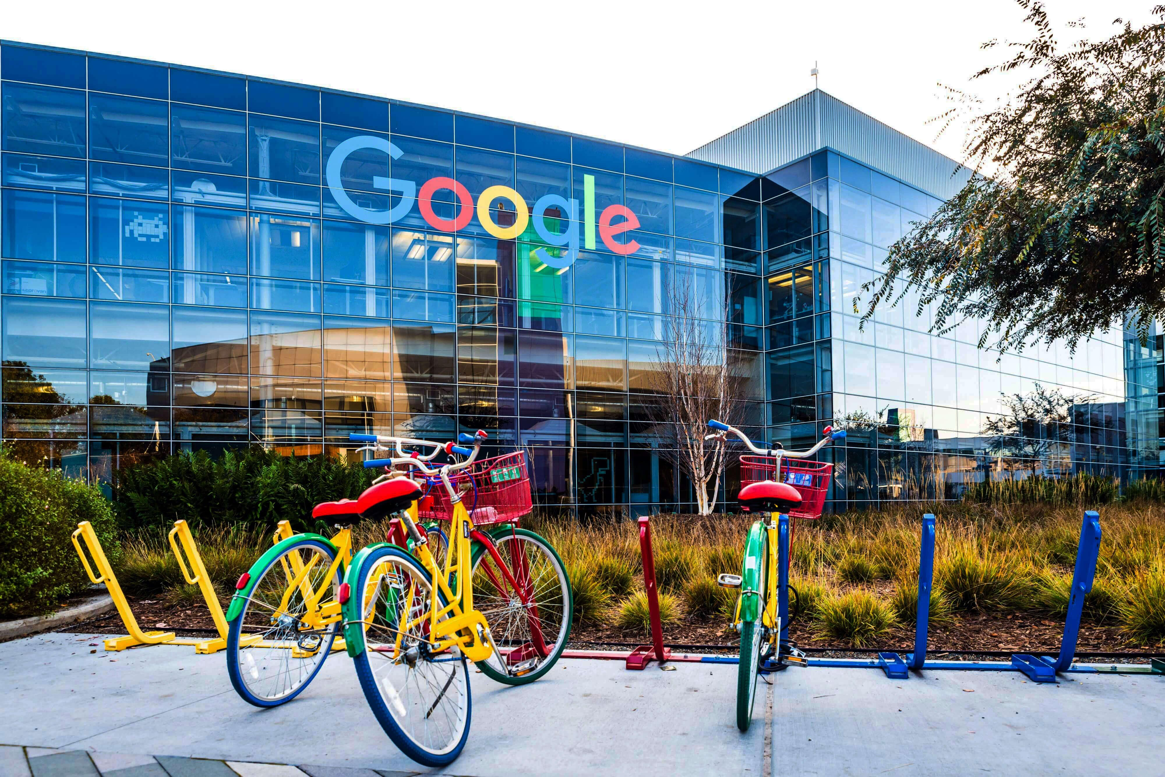 google_googleplex_silicon-valley-tiny-4-min